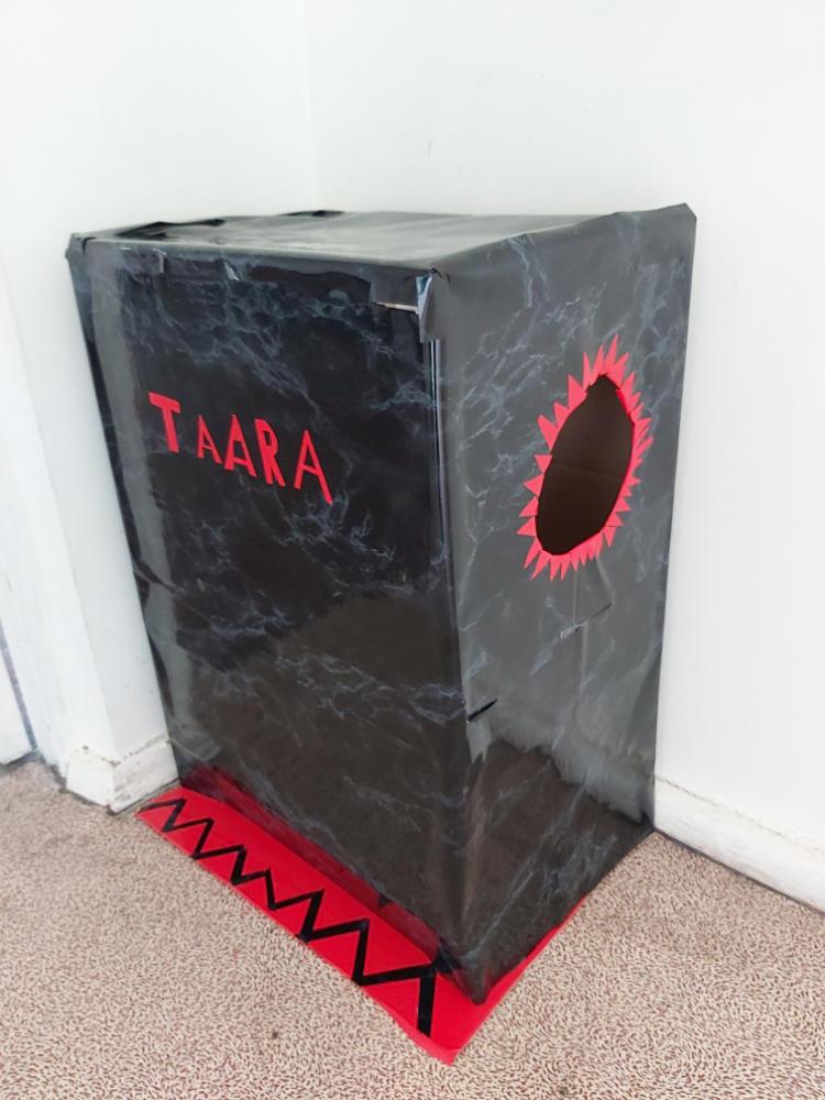 Must Kast õgib taarat - Pärnu Raeküla Kool, 7.d klass